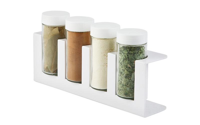 Luigi Ferrero Σετ γυάλινα βαζάκια μπαχαρικών 4 τεμ με καπάκια σε λευκή επιτραπέζ κουζίνα   οργάνωση κουζίνας